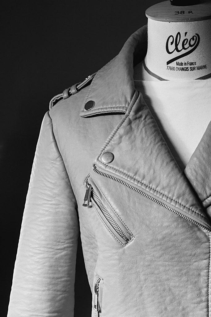 Textile veste en cuir claire en noir et blanc